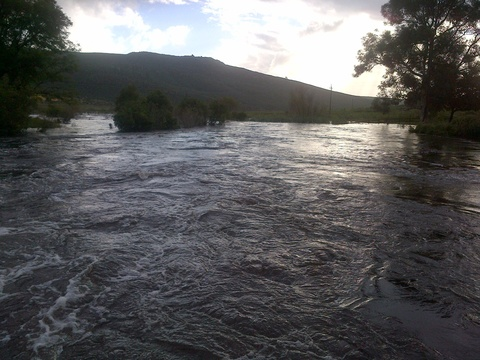 River in flood, Boskloof Swemgat